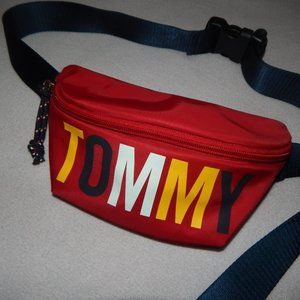 Tommy Hilfiger Colorblock Logo Red Fanny Pack